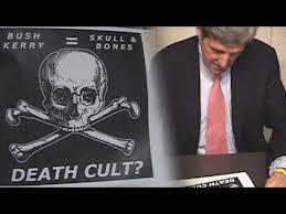 """John Kerry reste actuellement un """"être de puissance"""" ayant affaire aux satanistes de  la secte morbide."""