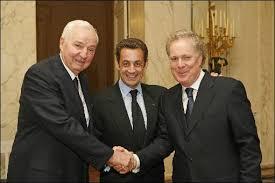Cette photo de Paul Desmarais en comnpagnie de Nicolas Sarkozy et de Jean (John James) Charest  vaut plus que dix milles mots. Ce que nous voyons ici,c'est un triumvirat d'imposteurs,de falsificateurs et de corrupteurs.