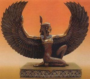 """Les morts ne sont pas mort! Je rejoindrai la lumière de Ra, je deviendrai ancêtre au coté des ancêtres, je continuerai a veiller sur les miens car même au dela de la mort, je ne suis pas mort, je vis encore et brille plus fort! Jusqu'a la réincarnation de l'esprit dans un coprs nouveau que Amon Ra aurait choisi pour moi l'élu(e) moi """"le mort"""" JE NE LE SUIS PAS, l'ame immortelle, je vivrai éternellement en tant que fervent défenseur de la loi divine Maat auprès du créateur Amon RA et ses enfants."""