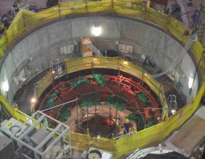 Le réacteur principal de la plus grande centrale nucléaire au monde aurait subi plus de 156  bris et fuites diverses lors du séisme de 2007.Ils ne sont toujours pas réparé et les coûts avoisinent les milliards de dollars.