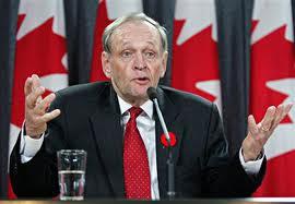 Jean Chrétien...passera à l'histoire comme le pire premier ministre de l'histoire canadienne.Il a à son négatif :le détournement de fortes sommes de l'assurance chômage,la nuit des longs couteaux,le rapatriement de la Constitution canadienne sans le Québec,l'affaire des commandites,etc Il est le cauchemard de l'identité québécoise et le fossoyeur du droit légitime.