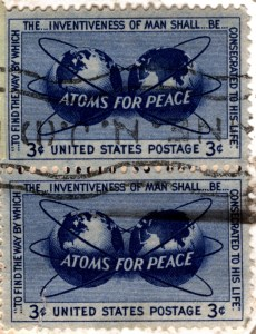 "La propagande américaine  se fit entendre ,sur le plan international par le slogan de ""Atoms for Peace""."