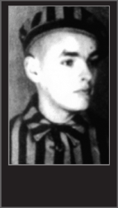 August Kowalczyk < l'époque de son internement  à Aushwitz.