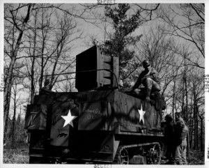 Les ressources fournies à l'Opération Fortitude furent énormes:on  développa  de l'équipement   d'effets soniques.