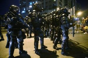 Les manifestants  se sont heurté à un mur de policiers.