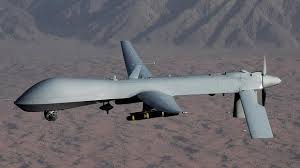 L'arme  la plus lâche et la plus hypocrite utilisée par les sbires de la CIA:le drone. On ne risque pas  la vie des soldats,mais les milliards de dollars  qui font  monter la dette du peuple américain et enrichissent les petits amis du régime.