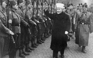 Au début de la Deuxième Guerre Mondiale,le Grand Mufti de Jérusalem fut reçu en personne à Berlin par le Führer lui-même. Un accord fut signé pour armer les milices arabes en Palestine.