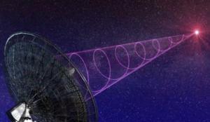 Mystérieux signaux radio   Depuis des décennies, des astronomes tentent d'entrer en contact avec la planète Mars en envoyant des ondes radio dans l'espace extra-atmosphérique. En 2004, ils ont observé un signal radio non identifié qui devenait de plus en plus fort et ont cru que des extra-terrestres tentaient peut-être de communiquer avec nous.