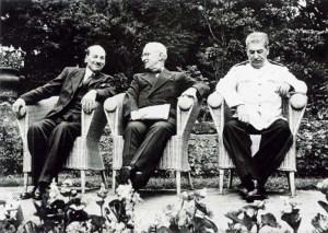 Conférence de Postdam:Attlee,Truman et Staline.