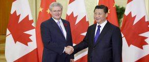 Stephen Harper en compagnie du dirigeant chinois:il aura  eu de nombreuses ententes...dangereuses avec les communistes chinois.