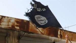 Un drapeau de l'État Islamique photographié au nord de la Syrie.