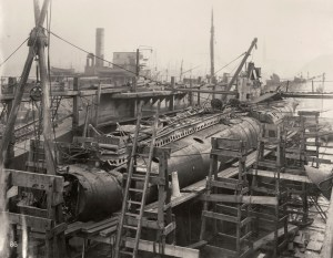 Le sous-marin en cale sèche après son renflouage.