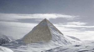 Pyramide en Antartique 001