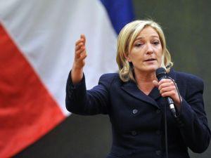 Marine Le Pen en visite au Québec a eu le mérite et le courage de nous avertir même si nos petits politiciens néolibéraux et véreux ne veulent rien entendre...sutout pas la vérité!