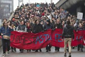 Les manifestations n'ont rien changé au Québec depuis 2011. Il nous faut plutôt marcher sur l'Assemblée National pour reprendre le pouvoir politique.