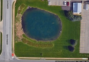 Un véhicule découvert dans un lac serait celui d'un homme nommé Davie Lee Niles, qui a disparu en 2006. En 2011 sa famille procéda à ses funérailles, bien que l'homme de 72 ans n'ait jamais été retrouvé. La voiture découverte dans le lac n'était pas visible au sol à cause du manque de clarté de l'eau. La voiture fut récupérée avec les restes d'un squelette d'homme et il fut établi que la voiture appartenait bien à Davie Lee Niles.