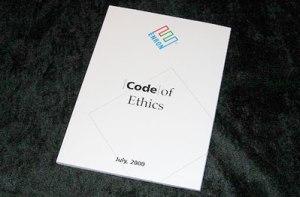Le code de l'éthique par Enron, publié en juillet 2000