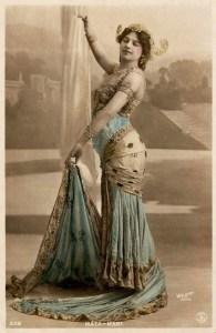Mata Hari en spectacle vers 1915.