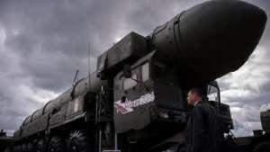 Un agent d'information a beaucoup risqué pour prendre cette photo du missile russe surnommé Satan 2 par l'OTAN.