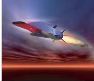 Pour ce prototype, l'armée de l'air voulait un appareil capable d'atteindre des vitesses incroyables. Le Boeing X-51 Waverider répond parfaitement à cette attente. L'idée était d'atteindre des vitesses supérieures Mach 6 et les ingénieurs ont réalisé cet objectif avec succès. Son statoréacteur utilisant un combustible hydrocarboné permet au X-51 d'atteindre des vitesses hypersoniques après s'être fait larguer dans l'atmosphère par un B-52.