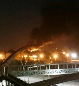Les explosions ont provoquées des incendies.