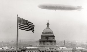 Ce zeppelin allemand donnait la frousse en 1928 ,en survolant la Maison Blanche.