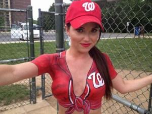 Une fan de l'équipe de Washington La plus belle fan des Nationals de Washington que nous avons jamais vu !