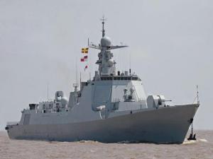 CNS Kunming Le vaisseau du PLA Navy vise à lutter contre la piraterie et d'autres activités subversives. Il dispose de 6 tubes lance-torpilles.