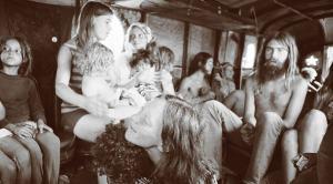 Rare photo de membres de la Hog Farm en route vers Woodstock en 1969.