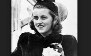 Puis, quatre ans plus tard, en 1948, Kathleen est également mort. Elle est morte dans un accident d'avion alors que le vol du sud de la France en vacances avec trois amis. Son père était le seul membre de la famille pour assister à ses funérailles.