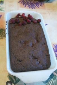 Un gâteau aux framboises et chocolat!