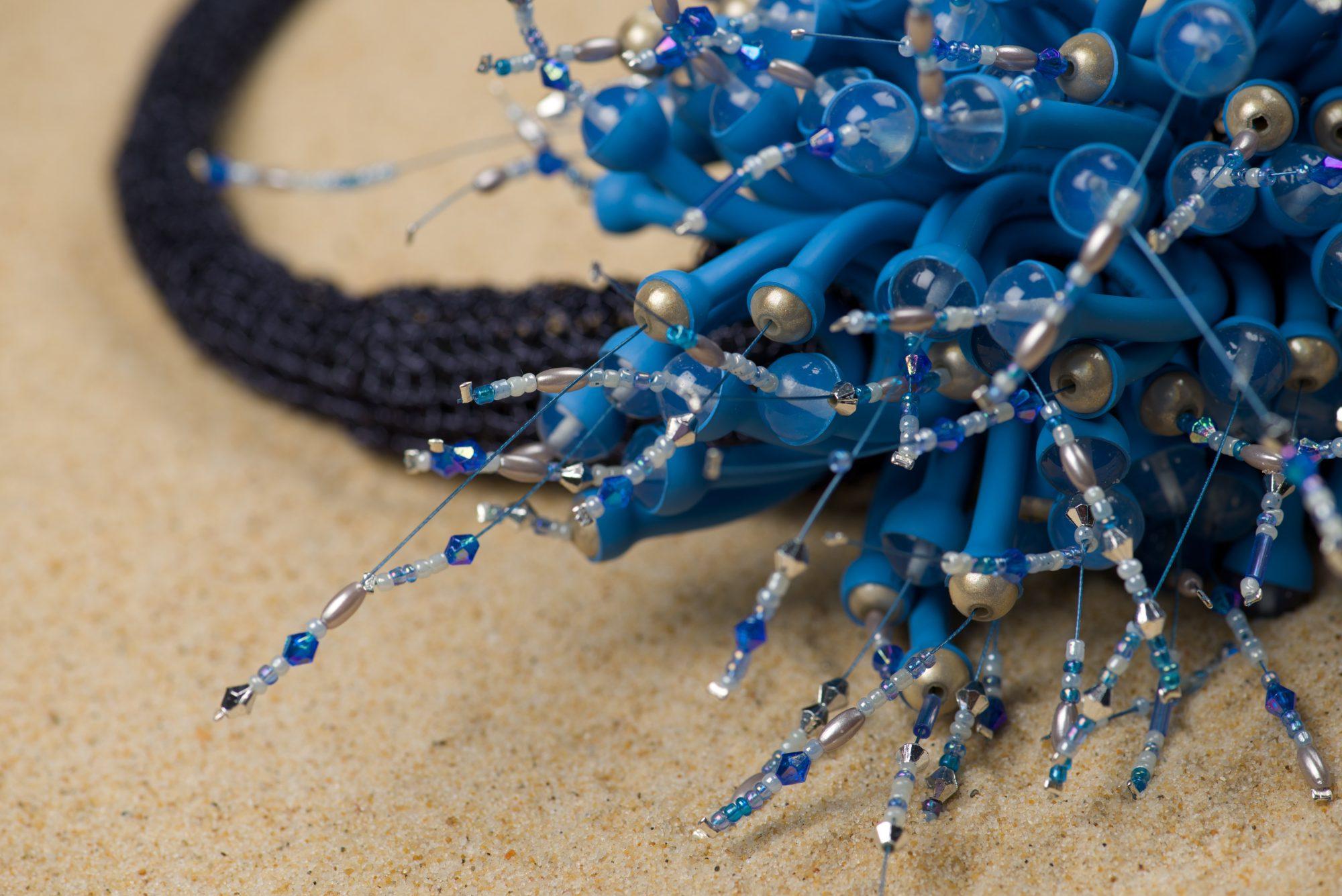parure-gaine-thermoretractable-métal-crocheté-michèle -forest-design-pièce-unique