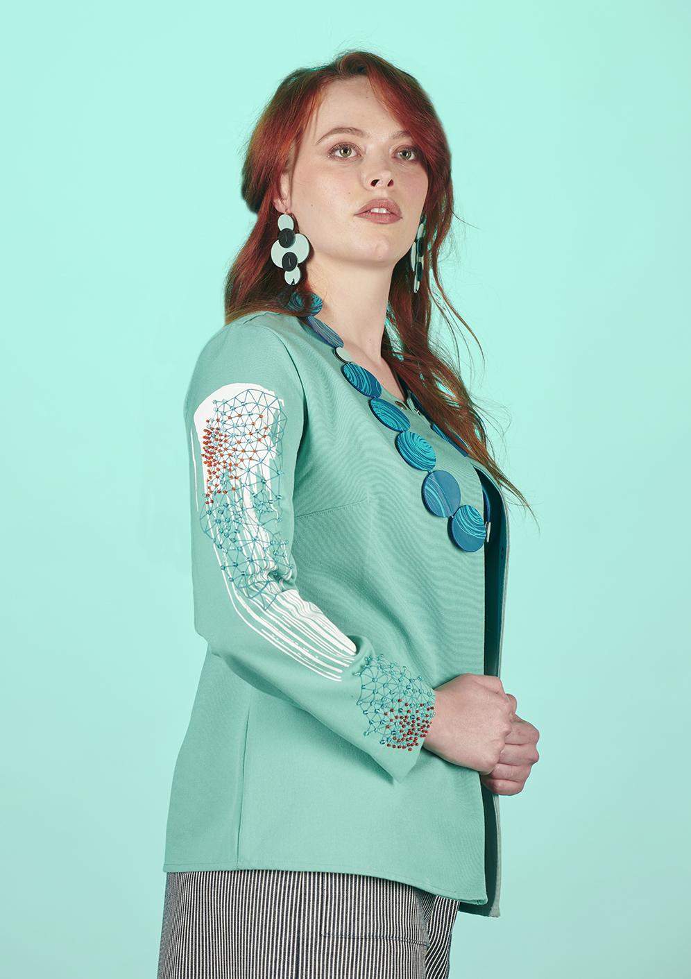 veste bleu femme été brodée à la main