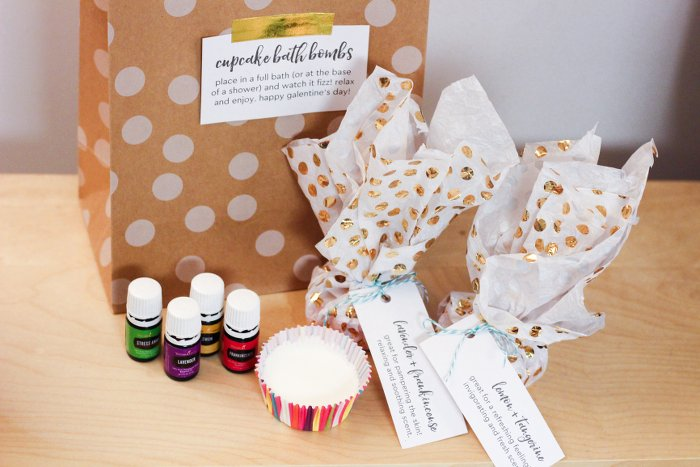 DIY Bath Bombs Gift