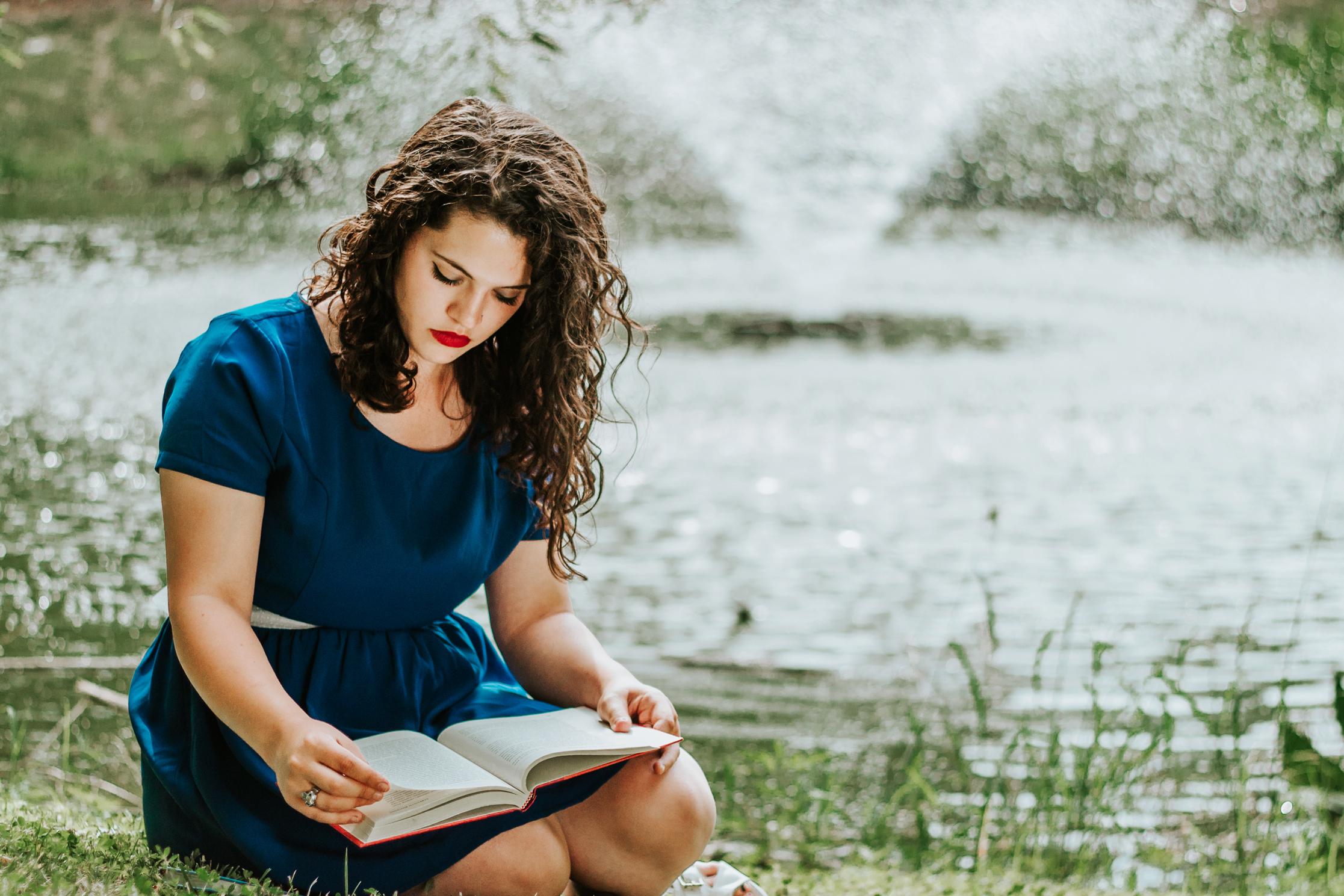 Belle-Styled-Shoot-Reading-Fountain-Beauty-Beast