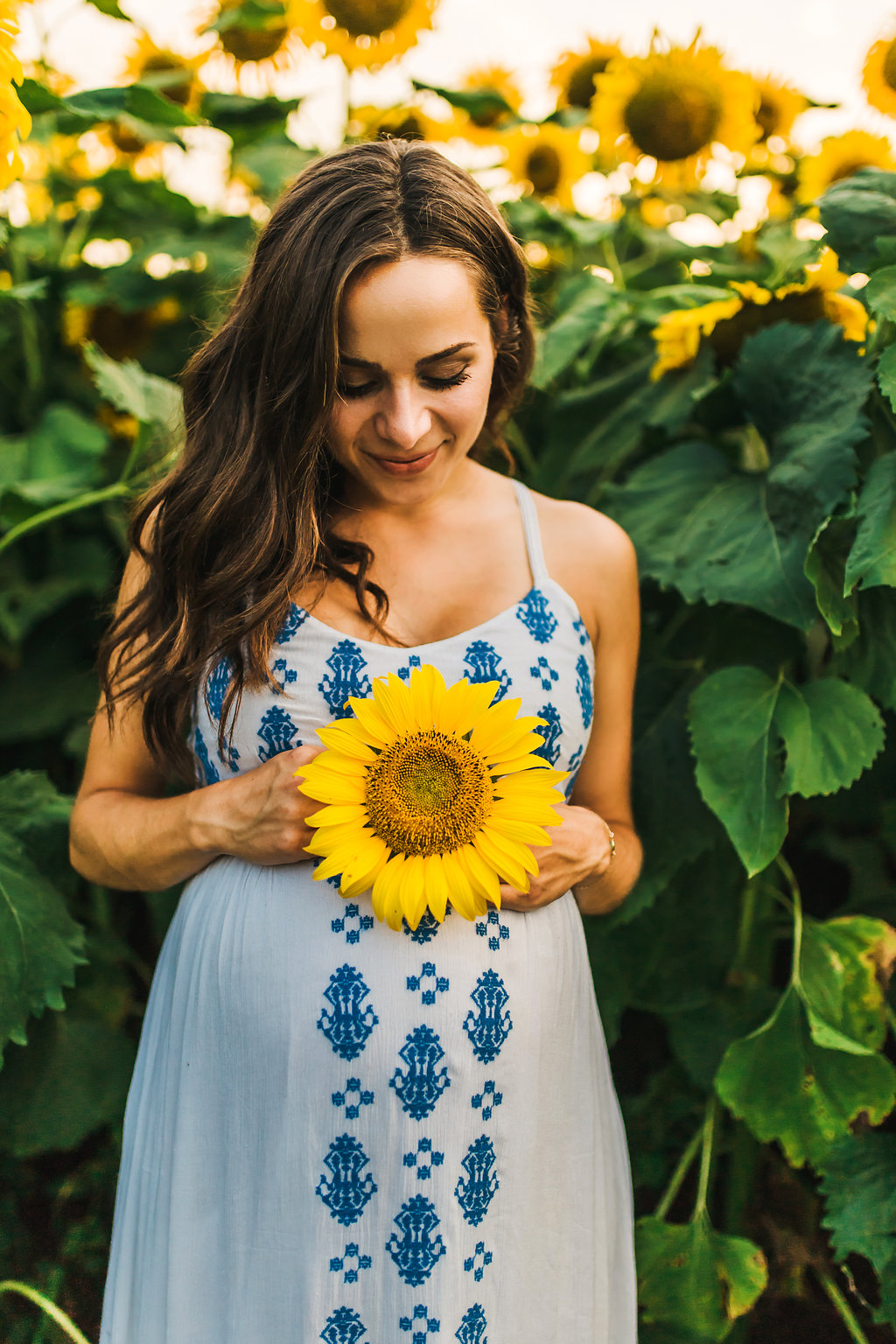 Sunflower-Maternity-Nashville-Tennessee-Field-Batey-Farms-7