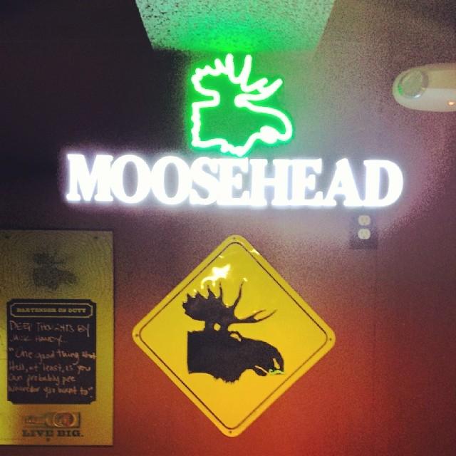 Moosehead #sign #moose #liquor #alcohol