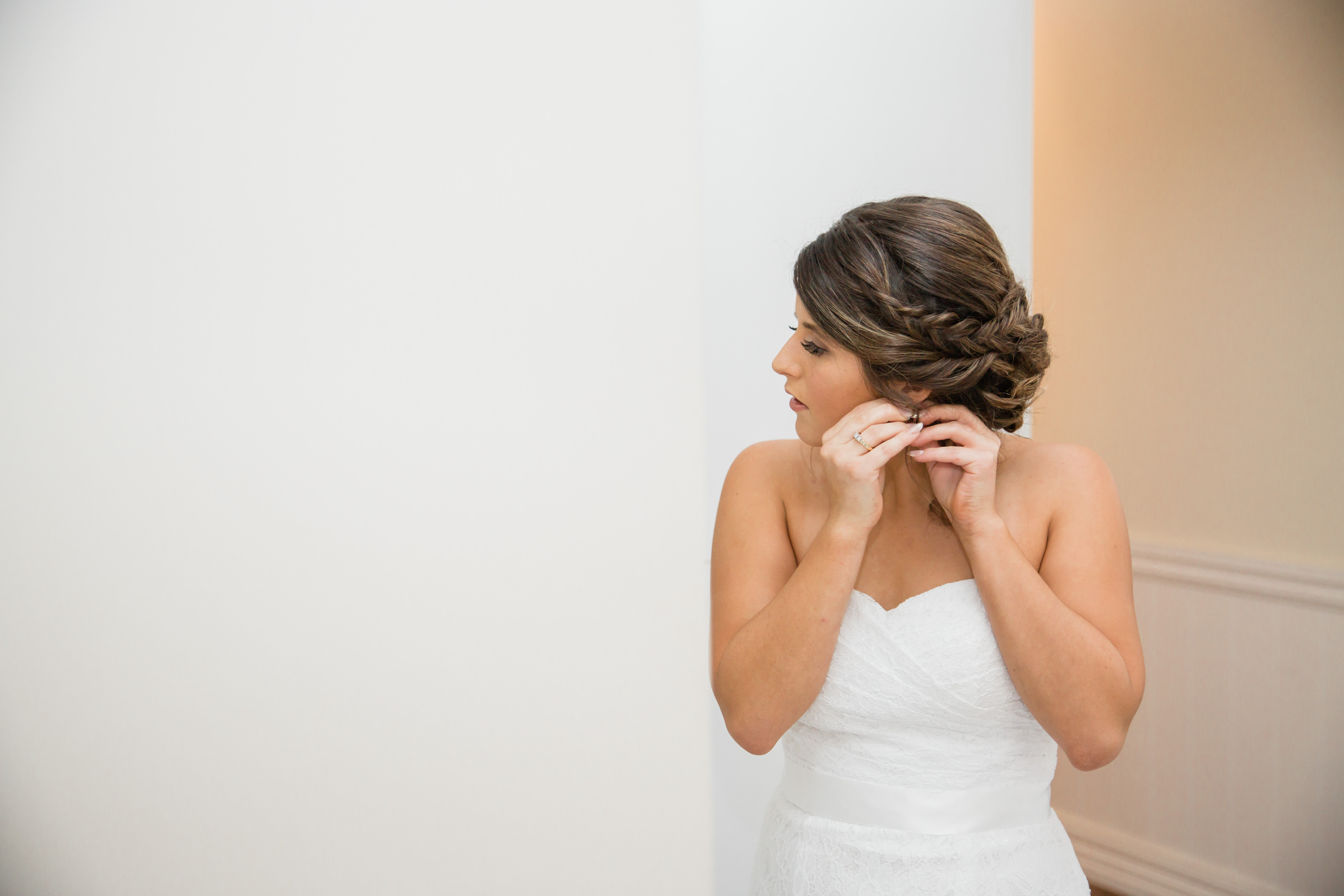 Bride getting ready-90