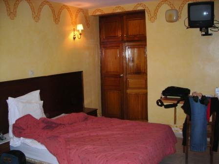 hotel-room-dakar-2-web.jpg