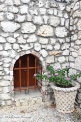 Small door on mikveh