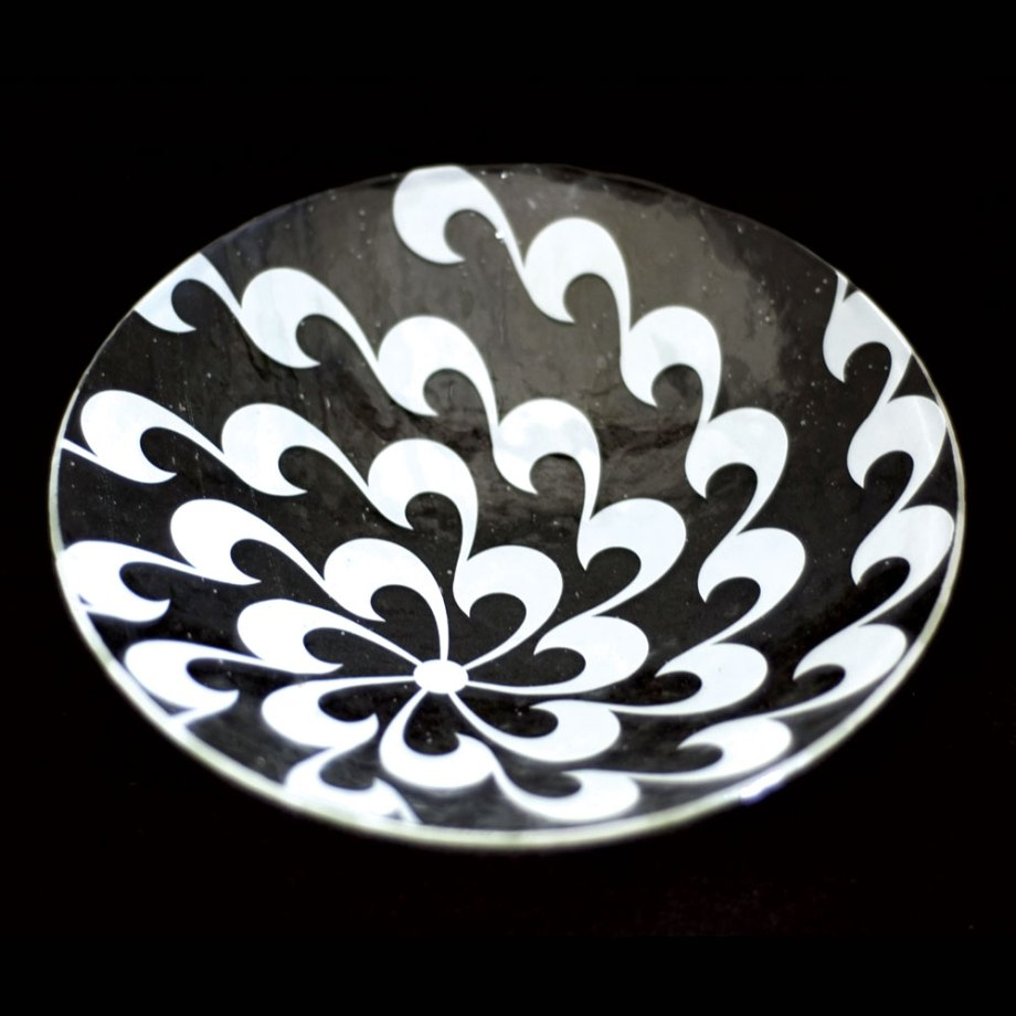 Chrysanthemum in White on clear glass