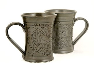 Hand illustrated ceramic mug pairing by Pavlo Pottery