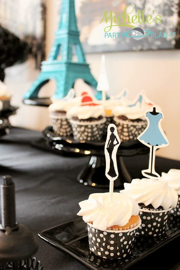 """""""A Day in Paris"""" fashionista cupcakes"""
