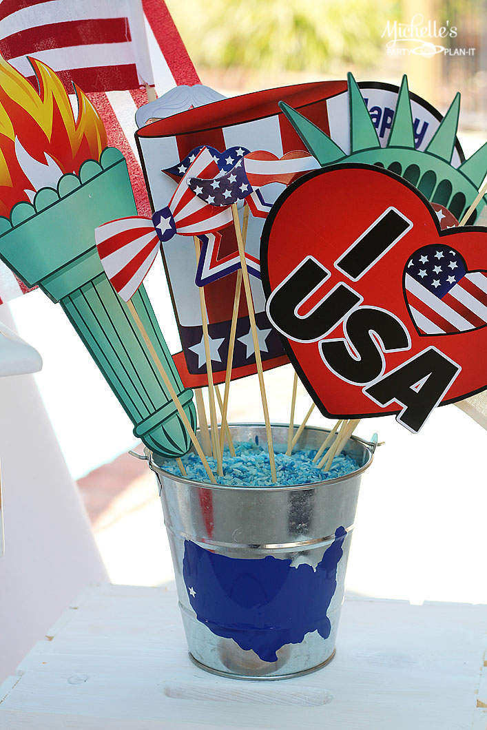 I love America Bucket - Patriotic Decor