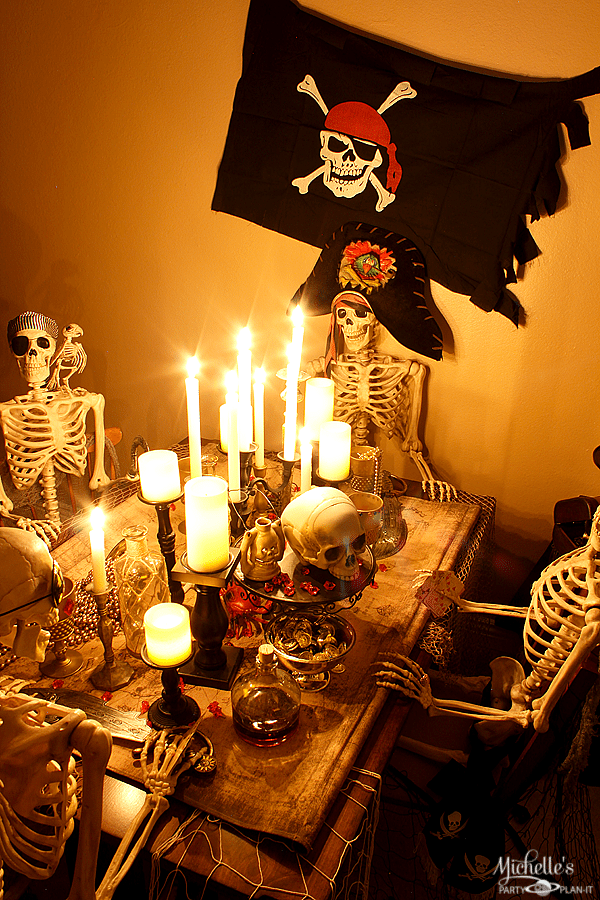 How to Host a Pirate Dinner Party | Halloween Party Ideas