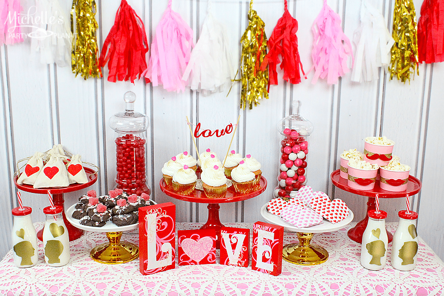 Sweetheart Valentine's Day Party Table