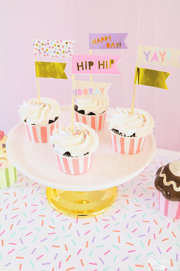 Hip Hip Hooray Cupcakes