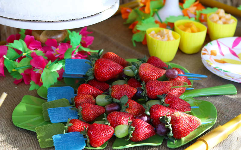 Easy Summer Entertaining Ideas with Gold Peak ® and Sam's Club