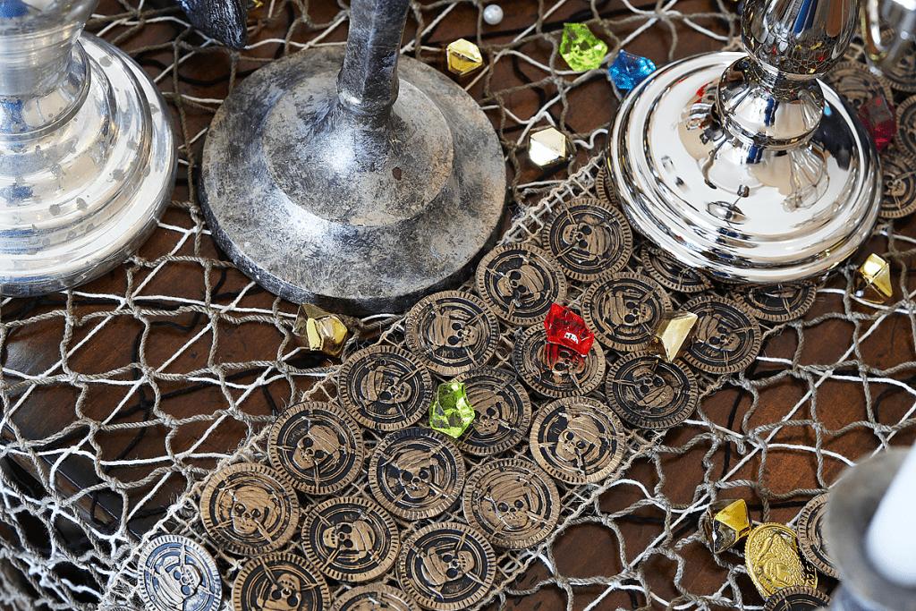 DIY Pirate Table Runner