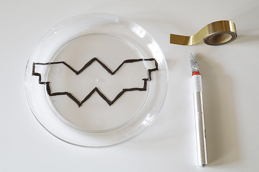 DIY Wonder Woman Party Plates
